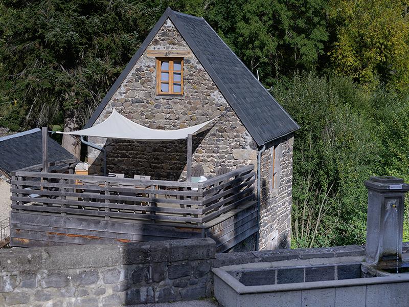 Vakantiehuis Murol met groot terras