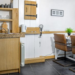 Vakantiehuis Murol met sfeervolle woonkamer en open keuken